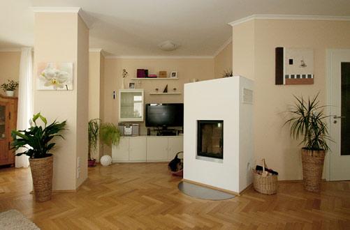 Wohnbereich-Umbau mit freistehendem Kamin